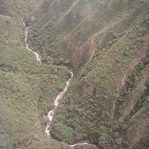 Cañon Rio Tingo voviendo de dormir en en Kuelap