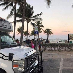 Cruise the beach bars and restaurants