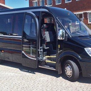 Mercedes-Benz Sprinter minibus - VIP Liner