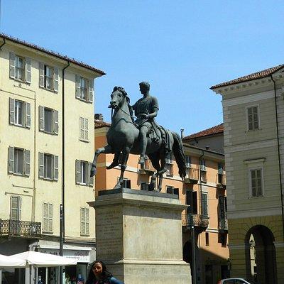 Monumento a Carlo Alberto, piccolo capolavoro di arte equestre
