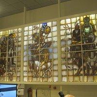Gebrandschildere drieluik uit het voormalige SKF-kantoor