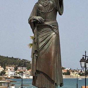Το άγαλμα