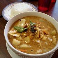 Massamn curry: carrots, peanut butter, potatoes, basil, white onion, massaman curry paste, cocon