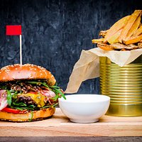 Bacon Jam burger with 200gr czech beef, bacon jam, caramelized onions, arugula, tomatoes