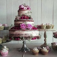 A new trend in naked wedding cakes