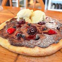 Warm Berry Nutella Pizza with vanilla ice-cream