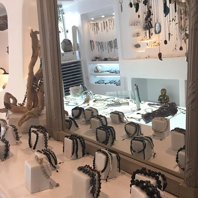 One of the most beautiful shops in town ❤ Unique pieces from the gorgeous designer Harry! Keep t