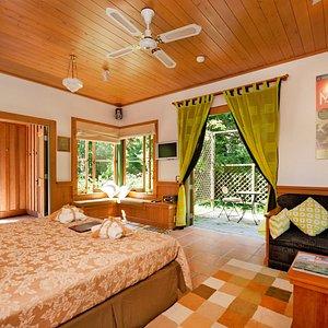 The airy Retreat garden suite