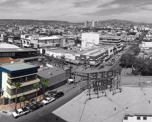 Estamos ubicados en la av mas turistica de Tijuana como es la Revolucion