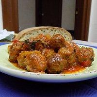 La nostra specialità, polpettine in agrodolce e salsa