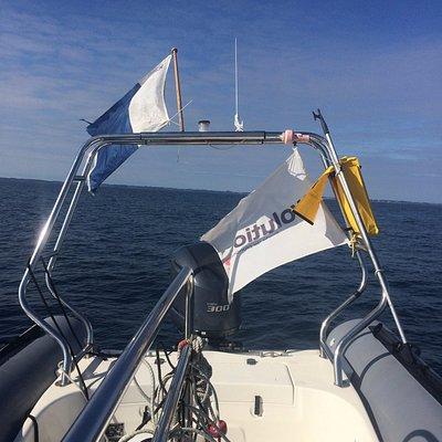 magic menhir le splendide bateau du centre de plongée évolution 2 de la Trinité sur mer