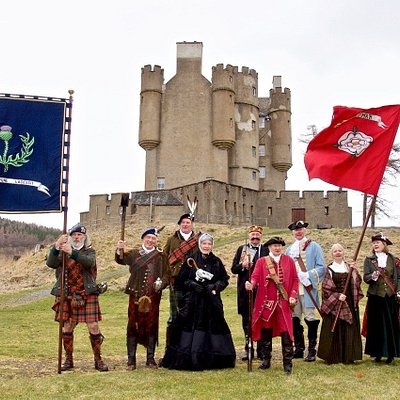 Characters who are associated with the 400 year story of the Castle