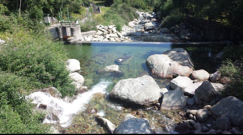 il luogo offre anche la possibilità di fare escursioni lungo il fiume sangone