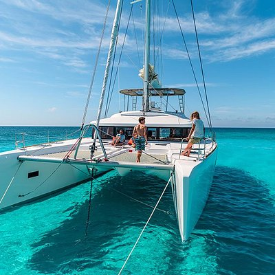 Daily catamaran and jacht trips