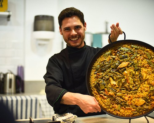 spanish cooking class - paella pic