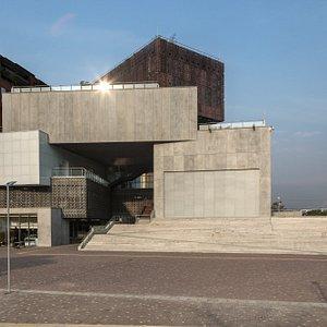Fachada central del Museo ubicado en Ciudad del Río