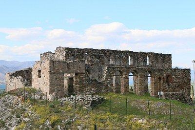 Wunderschön hergerichtete Ruine in Kastra oberhalb Servia Griechenland