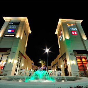 The Entrance to Palm Beach Outlets