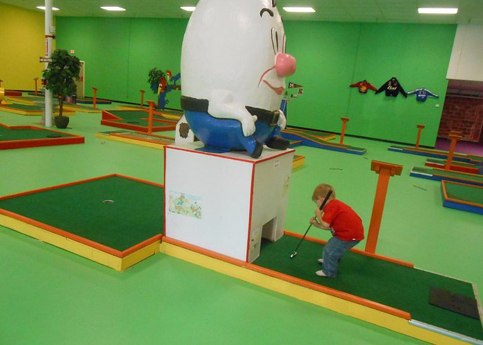 Indoor Putt Putt with a Mississippi theme. TOO COOL