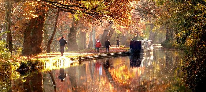 Private Narrowboat Adventure on Tranquil Inland Waterways from Middlewich