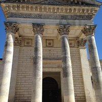 External facade and pillars