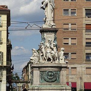 Count Cavour monument