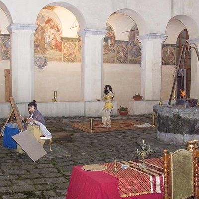 Serino (AV). Veduta Chiostro Convento di San Francesco e rappresentazione del presepe vivente