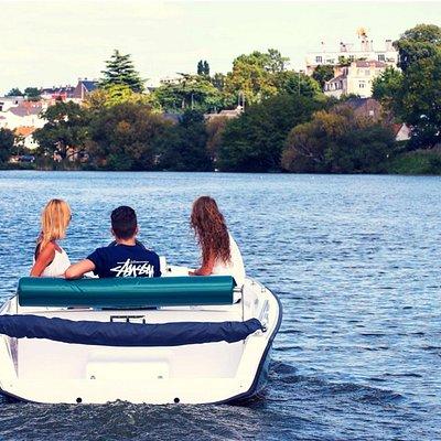 Balade sur l'Erdre en bateau électrique modèle Sansas