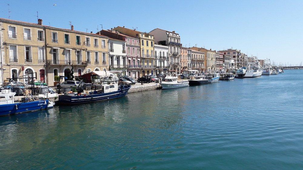 Vista de un canal de Sète