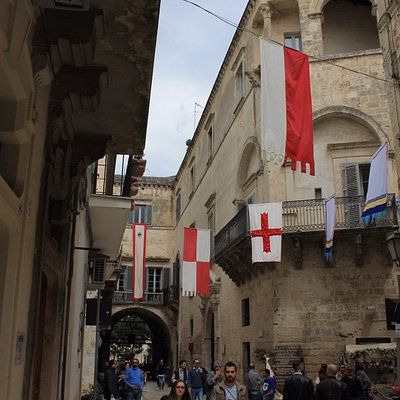 Corso Federico, Porta Bari