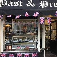 Past and Present in Historic Ledbury. We sell antique and modern gold and silver.
