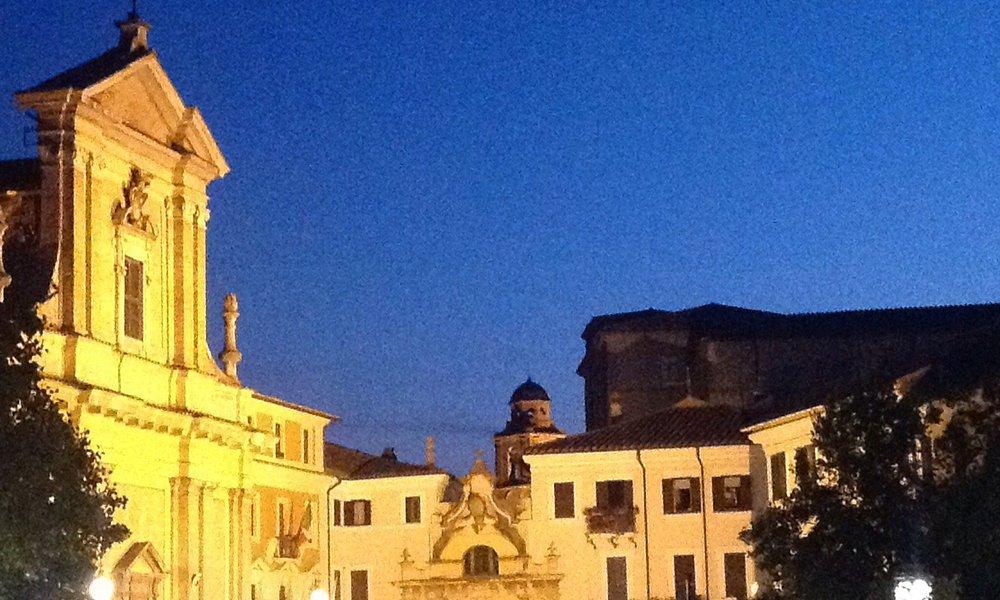 Main piazza, shops and restaurants of Poggio Mirteto