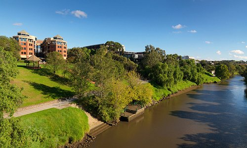 View of hotel from Yarra River
