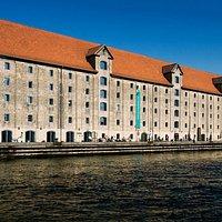 Nordatlantens Brygge ved havnefronten på Christianshavn, København