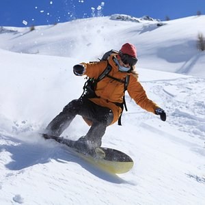 Get creative! Take your shredding beyond all others with expert coaching from Mayhew Snowboardin