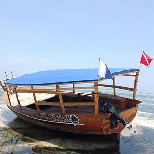 Authentic Swahili boat with plenty of space for your equipment and dry area