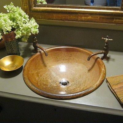 We Make Sinks.