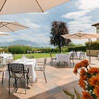 Terrazzo panoramico, per un pranzo o una cena in pieno relax e natura alla Corte di Lurago