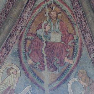 Fresque dans le porche de l'entrée de l'église