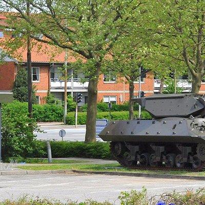Tanken foran Militærhistorisk Museum i centrum af Odense