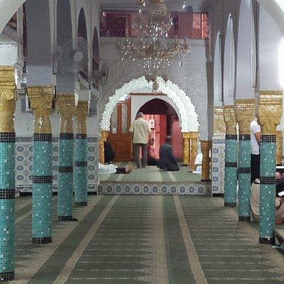 Mosquée Ibn Saadoun, vues d'extérieur et d'intérieur