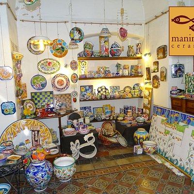 Laboratorio di ceramica artistica ed esposizione