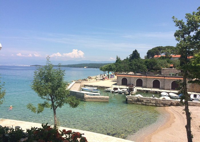 Malinska Strand Rova ( Blue waves Resort & Villa Rova )