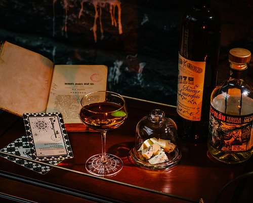 Cocktails&cheeseparing