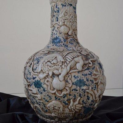 Vaso Con Dragone e Fiori di Loto