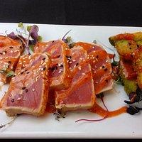 Seared tuna with fried avocado