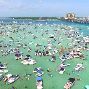Fun in the sun with Crab island cruises.