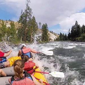 Rafting on the Wenatchee River in 2016 - perfect family fun!