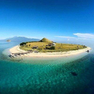 Kanawa island sumbawa by wanua adventure