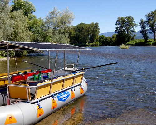 The beautiful Rogue River makes The Paddled Pub extremely enjoyable.